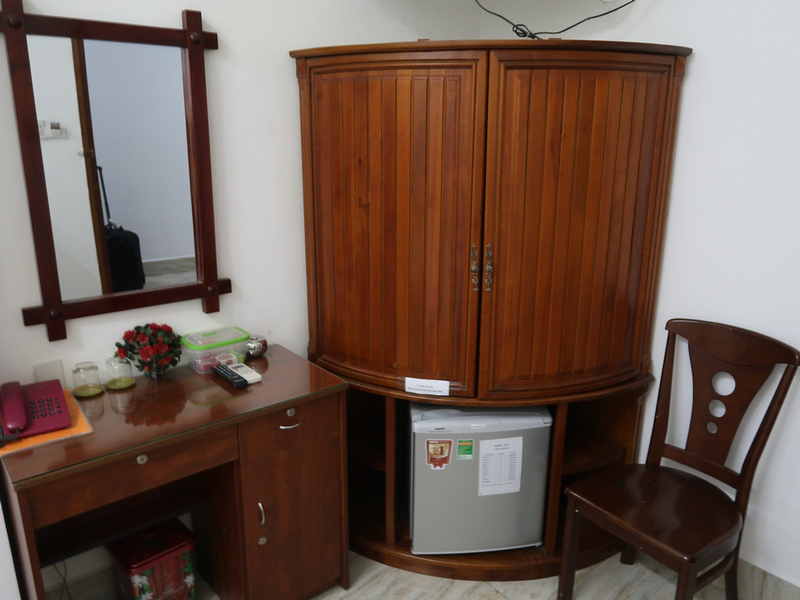 Song Hung Desk