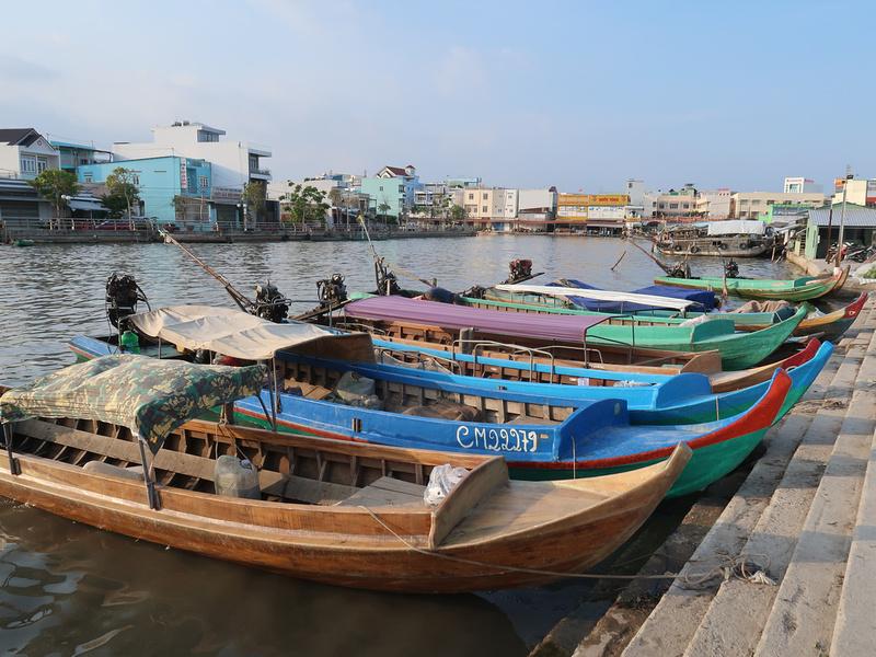Market boats