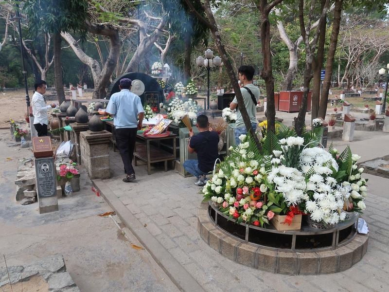 Praying to Vo Thi Sau