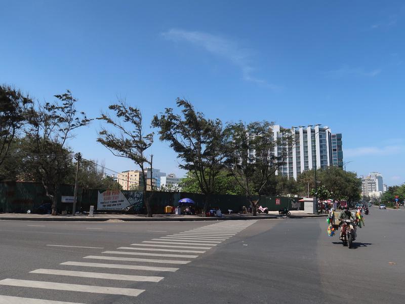 Corner of Hoang Hoa Tham and Thuy Van
