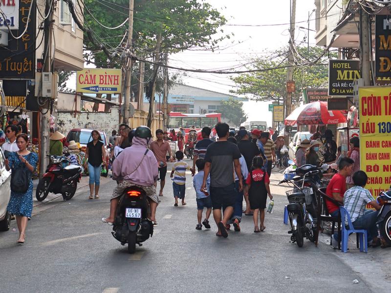 Nomadic Notes - Travel photos: Vung Tau &emdash; IMG_8692-la-van-cau