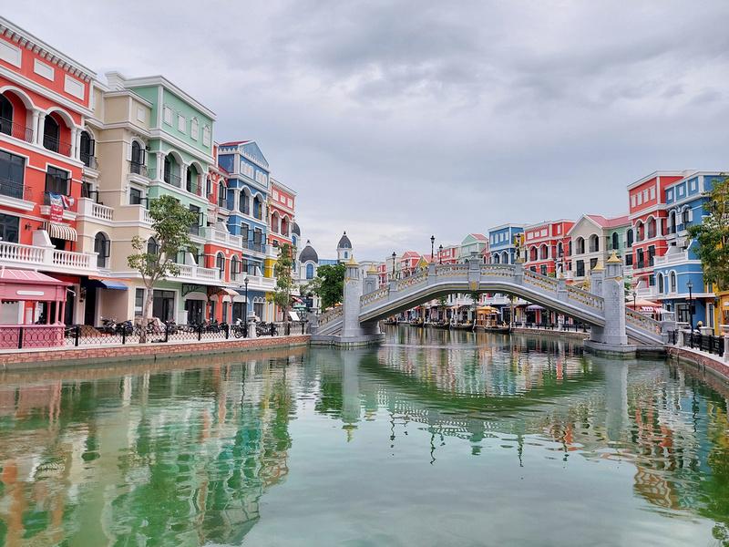 Grand World Canal