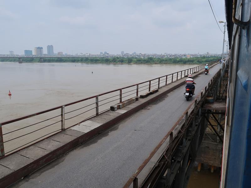 Red River railway bridge