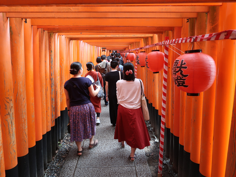 Torii Gates crowd