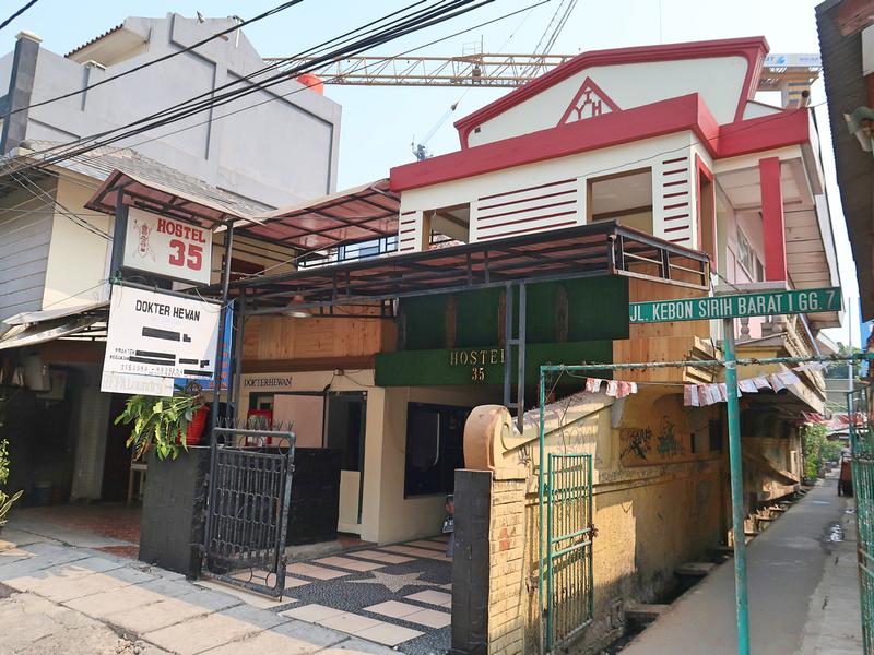 Hostel 35
