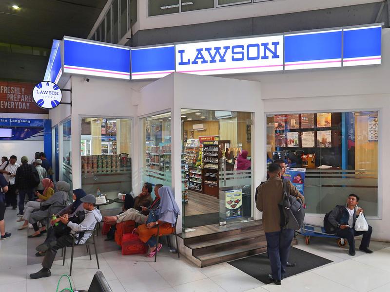 Lawson at Gambir