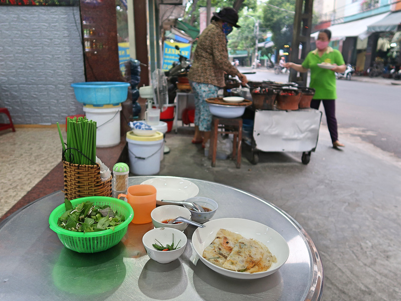 Banh Xeo 52 Le Thanh Ton