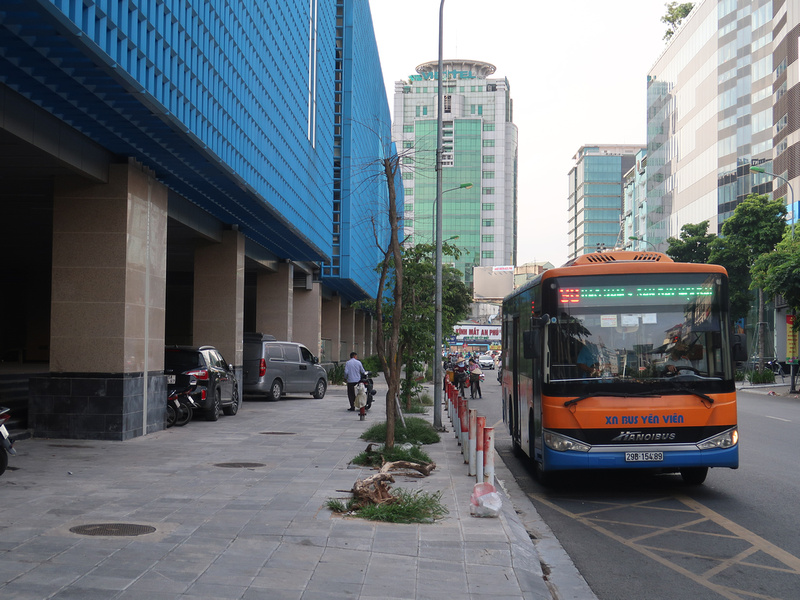 Bus at Cat Linh