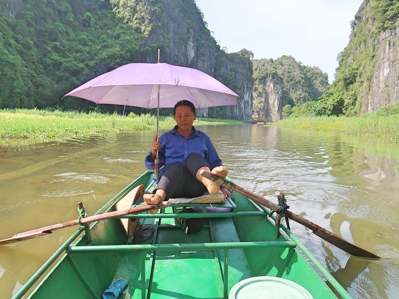 Leg rowing lady