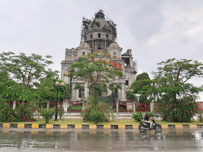 Mansion on Trinh Tu