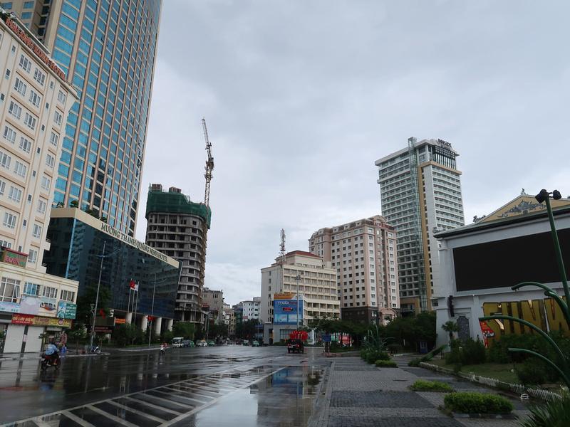 Ha Long Road
