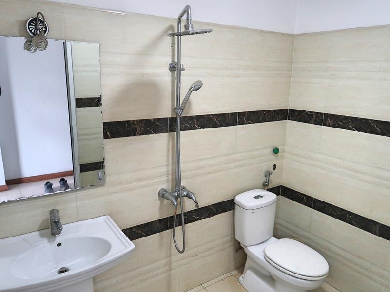 Thien Thien Thanh Hotel bathroom