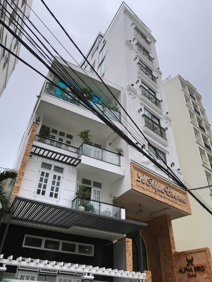 Alpha Bird Hotel skinny building