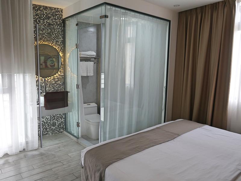 Alpha Bird bedroom
