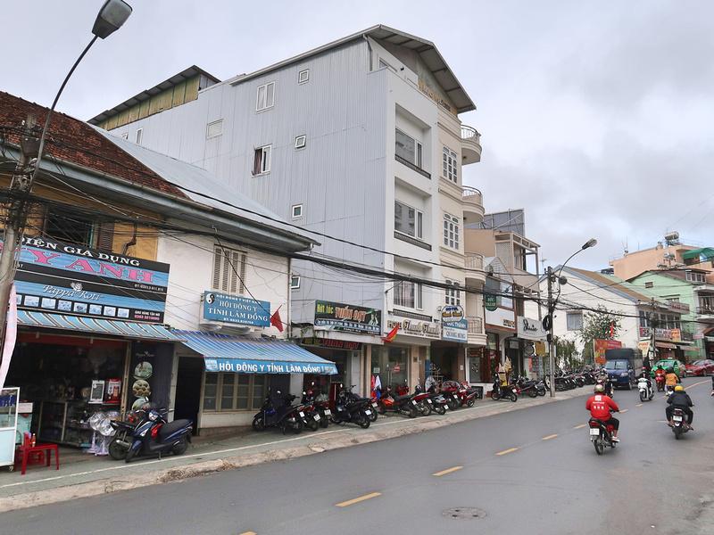 3 Thang 2 Road