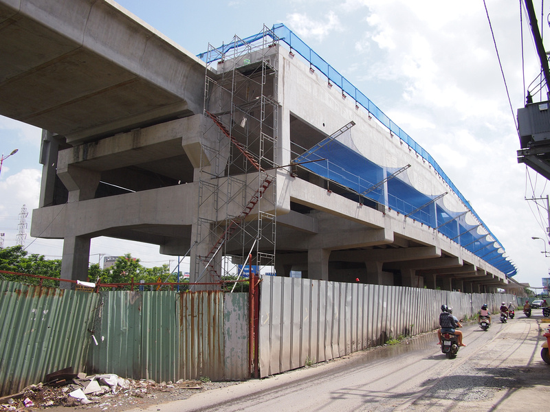 Thao Dien station construction