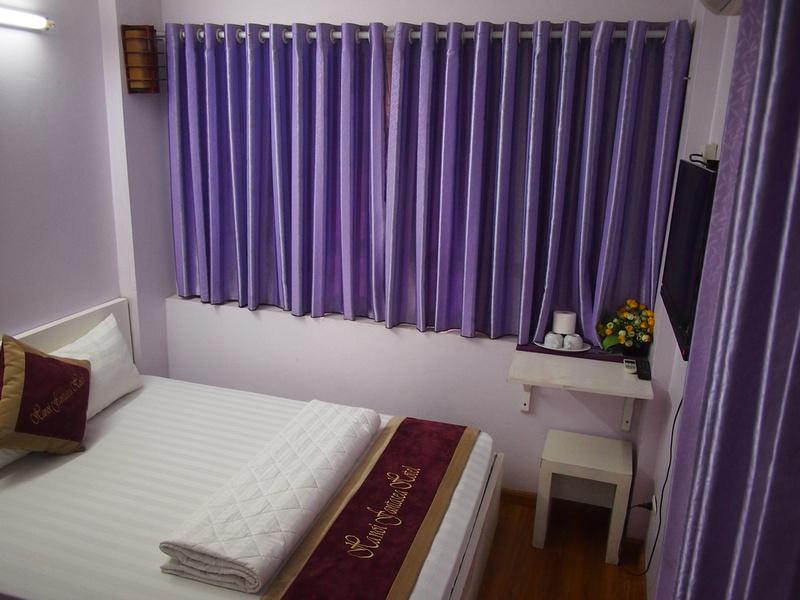 Hanoi Fantasea Hotel bedroom