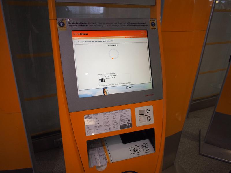 Berlin Tegel Airport Lufthansa auto check-in