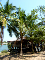 Riverside bungalows on Don Det, 4000 islands - Laos.