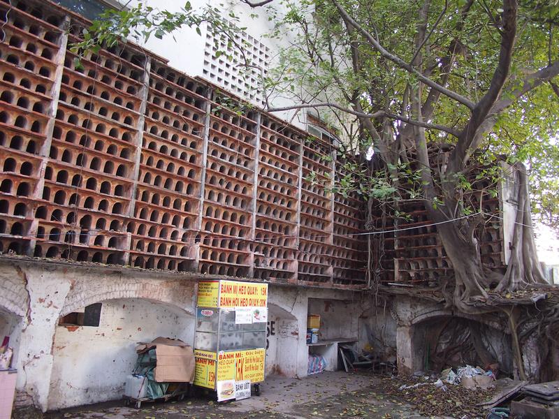 Pasteur pigeon coop
