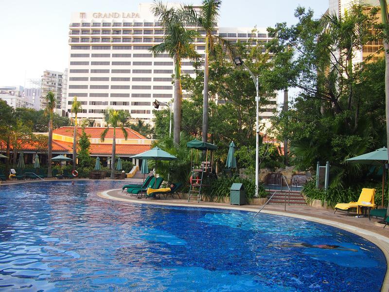 Grand Lapa pool