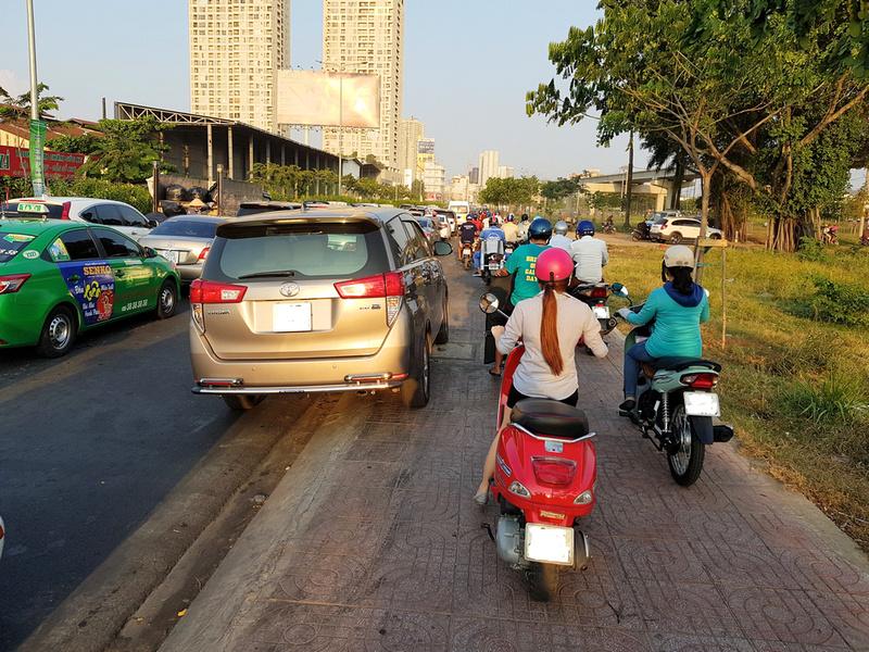 Thao Dien traffic