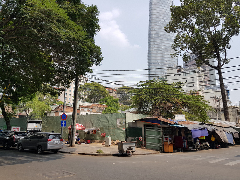 Corner Huynh Thuc Khang and Ton That Dam