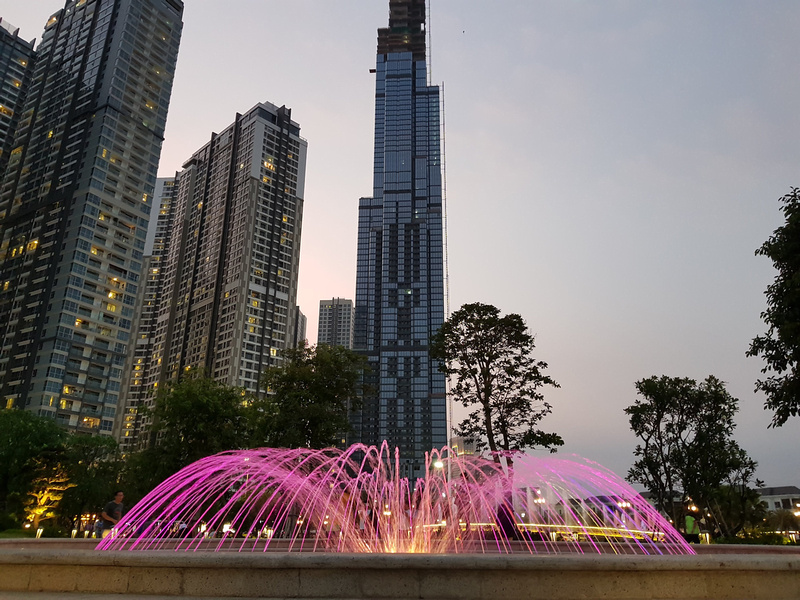 Landmark 81 and fountain