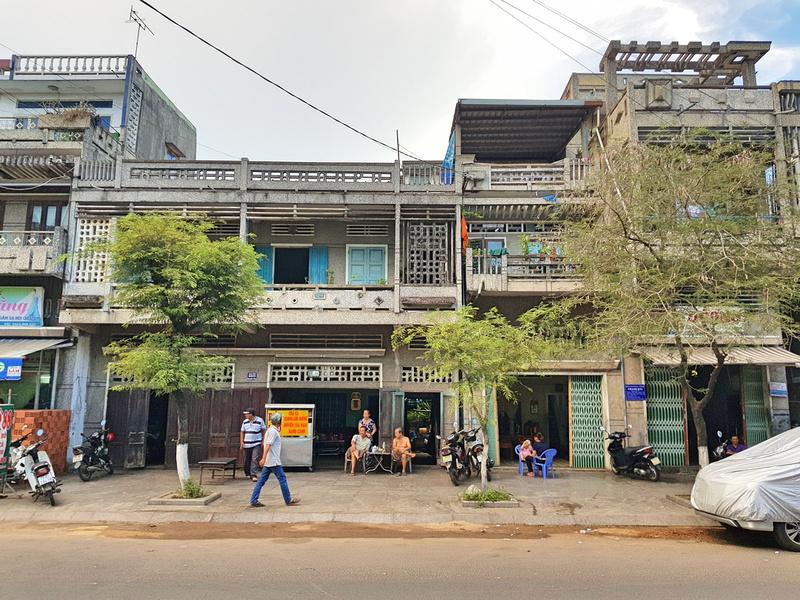 Modernist houses
