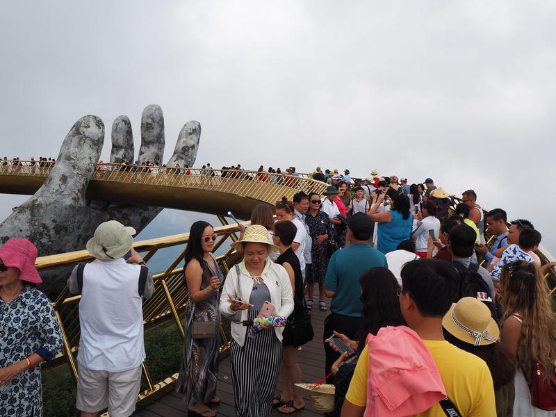 Golden Bridge crowd