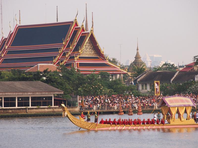 Barges at Wat Pho