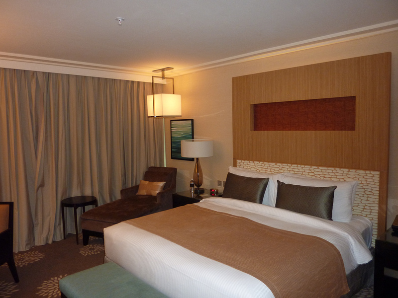 King size bed and reading couch - Marina Bay Sands, Singapore