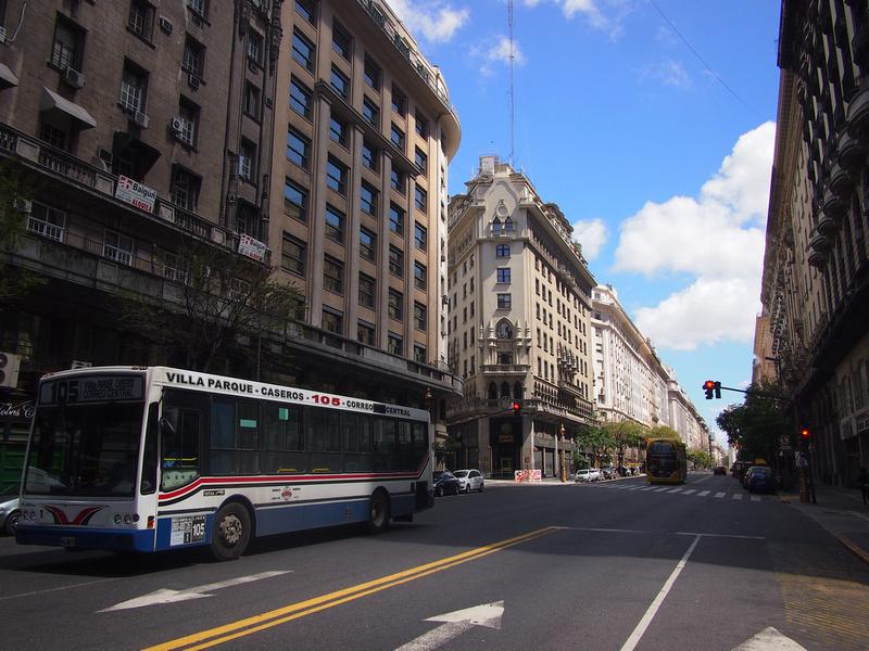 Avenida Presidente Roque Saenz Pena