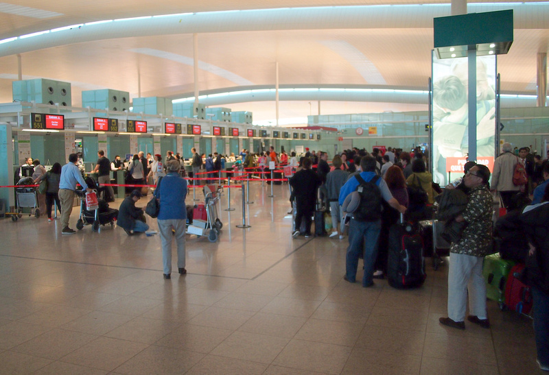Emirates check-in queue