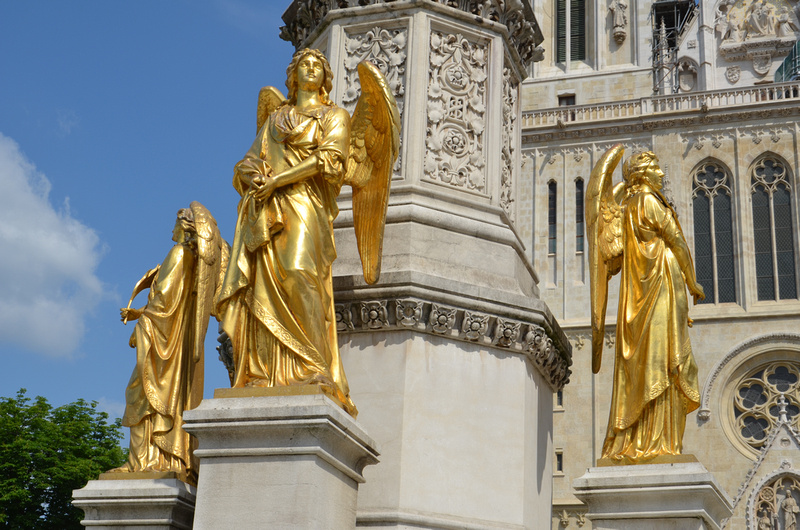 Golden angels at Zagreb Cathedral