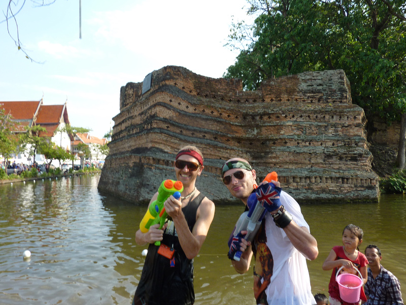 Songkran Chiang Mai - waterfight revenge