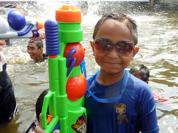 Songkran Chiang Mai - child in the moat