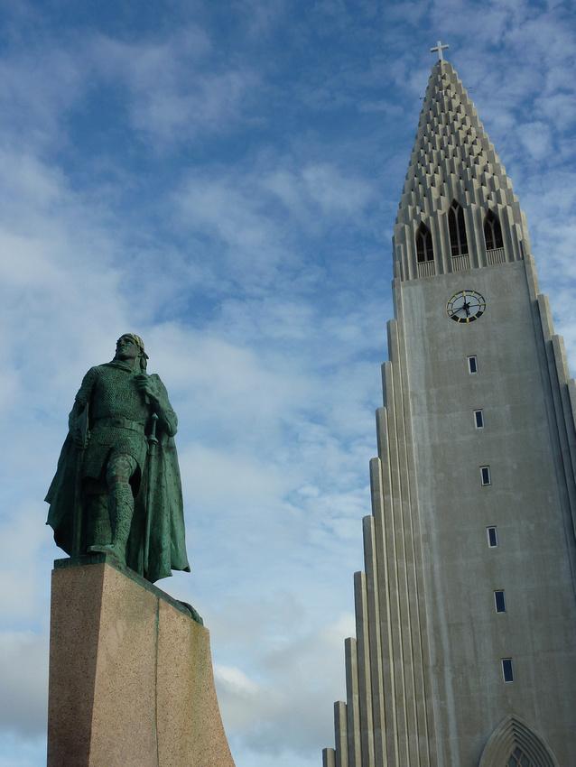Leif Eriksson at Hallgrímskirkja, Reykjavik - Iceland