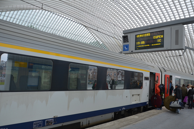 IC train at Liège-Guillemins station