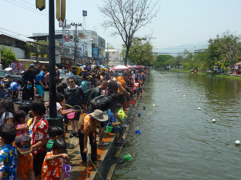 Songkran Chiang Mai - buckets of moat water