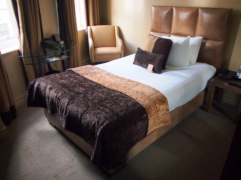 Bed - Radisson Blu Edwardian Berkshire Hotel