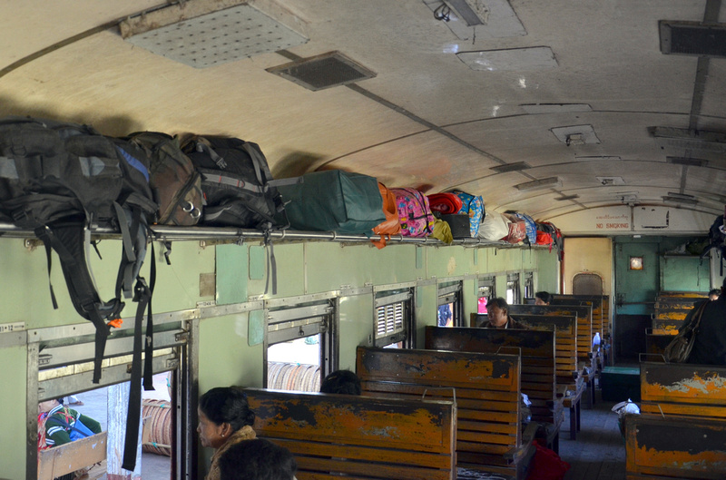 1st class carriage Pyin U Lwin To Hsipaw (December 2011)