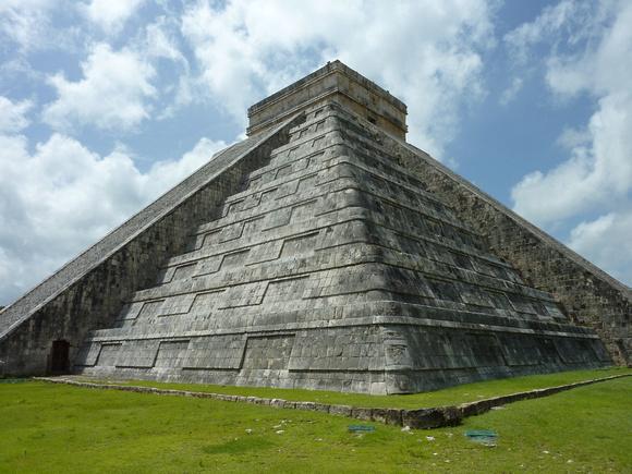Kukulcán Pyramid - Chichen Itza [Mexico]