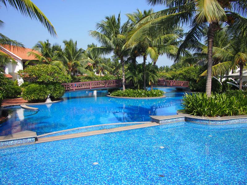 Swimming Pool at Radisson Blu Resort Temple Bay Mamallapuram