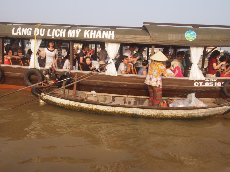Tourist boat - Cai Rang