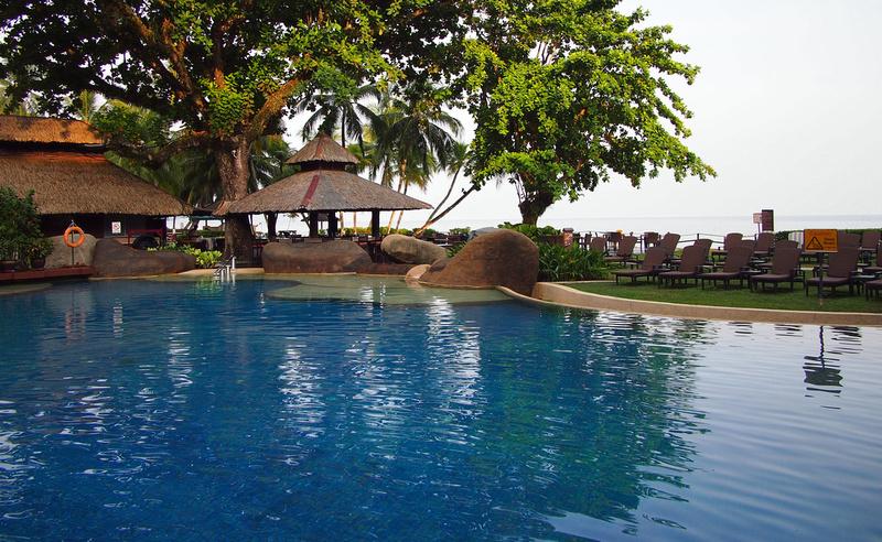 Garden pool - sea view