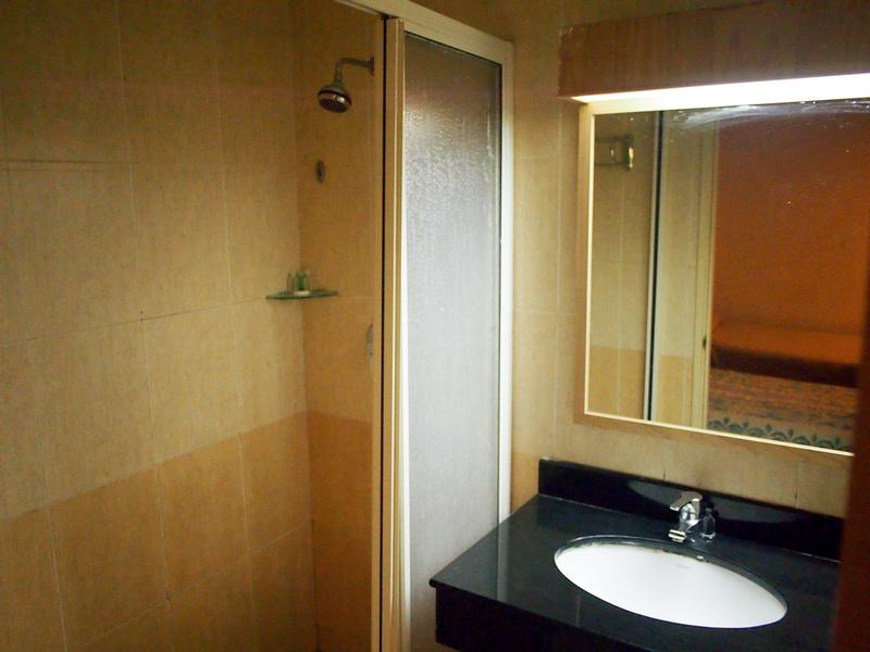 Mandarin Pacific Hotel Bathroom
