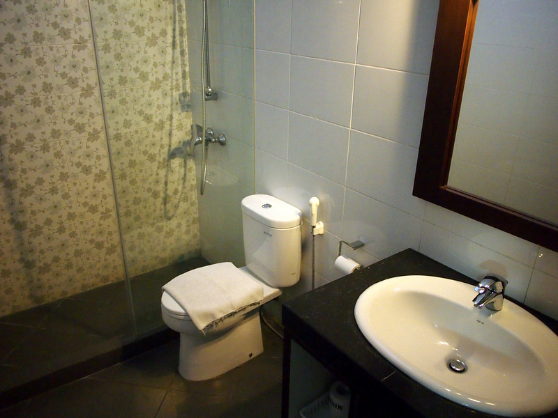 Rosani Hotel Bathroom