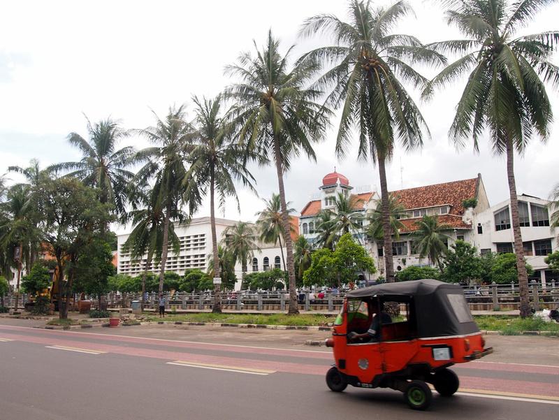 Tree lined canal - Kota (Old Jakarta)