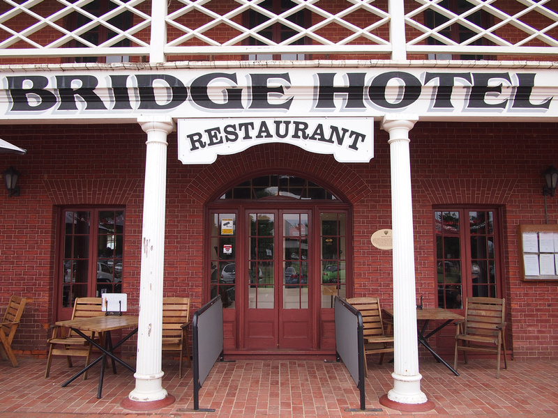 Bridge Hotel - Echuca